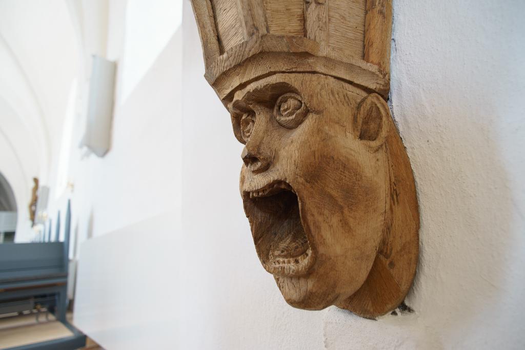 Prædikestol Hals Kirke